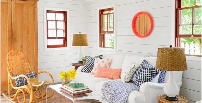 tường phòng khách được sơn màu trắng